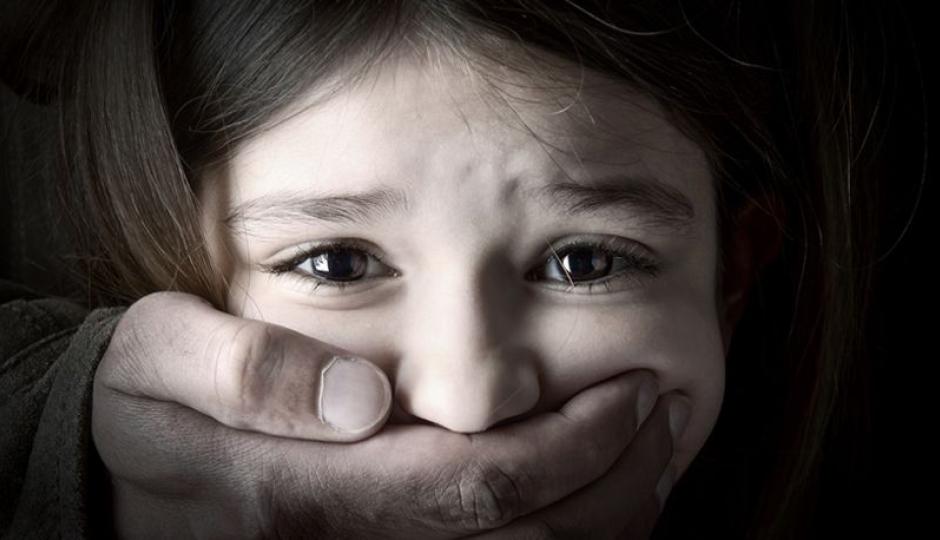 Detuvieron a un hombre del Puerto y lo acusarán de abusar de una niña, su hijastra