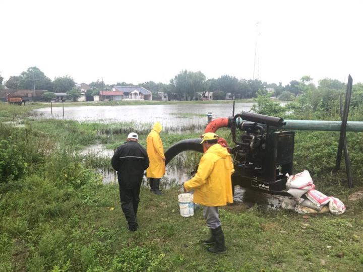 inundaciones bombas para extraer agua