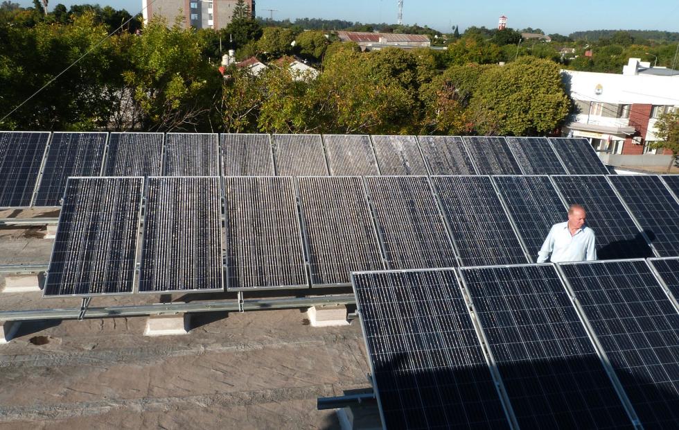 Malabrigo: Finalizó la instalación del Sistema Solar Fotovoltaico en el edificio municipal.