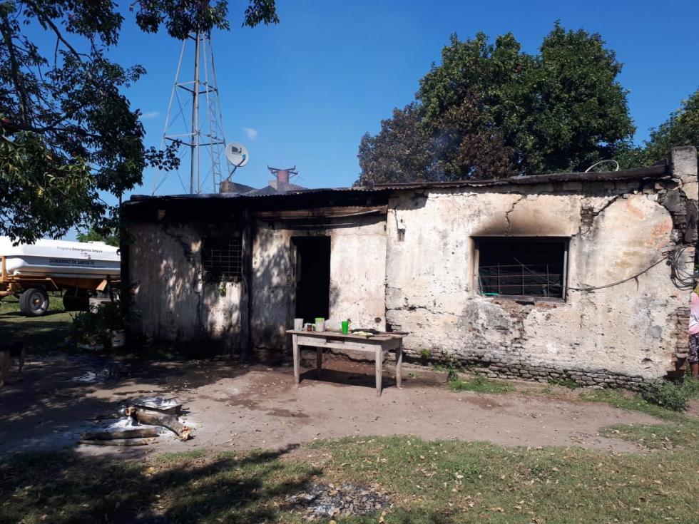 incendio casa roberto barboza angelica sosa en Guadalupe Norte 14 abril 2019 b.jpg