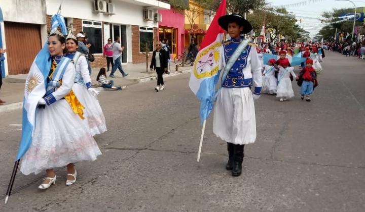 09072019 desfile abanderados criollitos.jpg