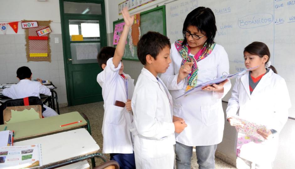 El Ministerio de Educación definió el cronograma de concursos de ingreso y ascenso docente