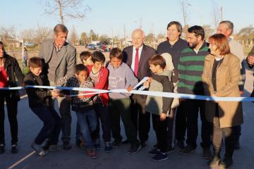 Inauguración acceso pavimentado a Intiyaco