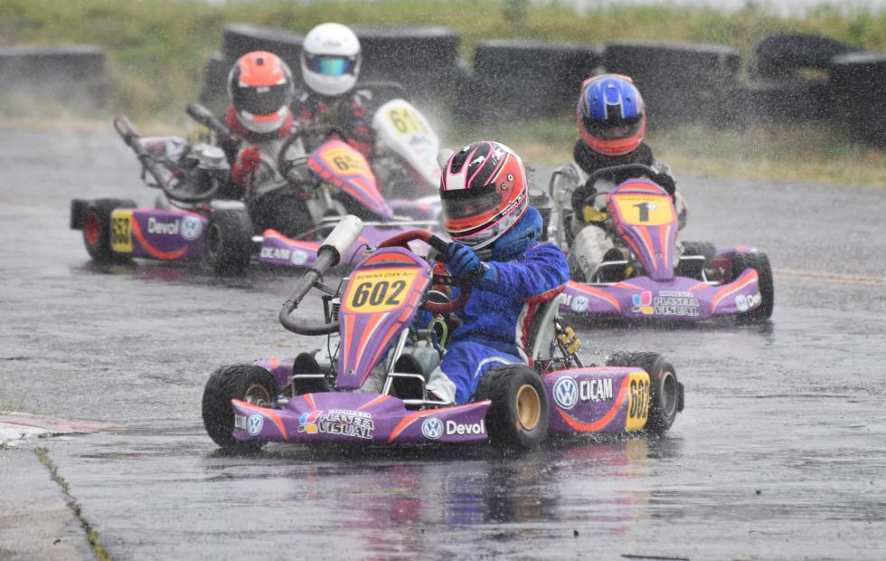 Carrerones con llovizna!!!. Así fue la 7a fecha del Karting del Noreste Santafesino. Aquí los resultados y fotos.