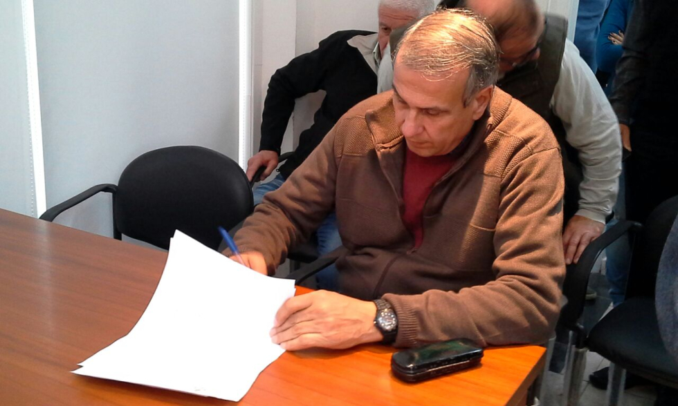Osvaldo Sanchez Vialidad firma condena.jpg