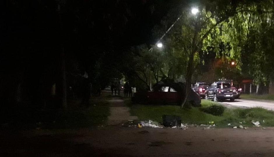 Tiros, lesionados y aprehendidos fue el resultado de una gresca en el Barrio Zulema, en la noche del viernes. Detalles de una noche violenta.