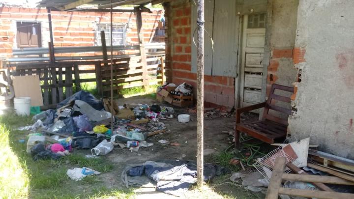 21022020 allanamiento casa de Adrián Insaurralde mugre.jpeg