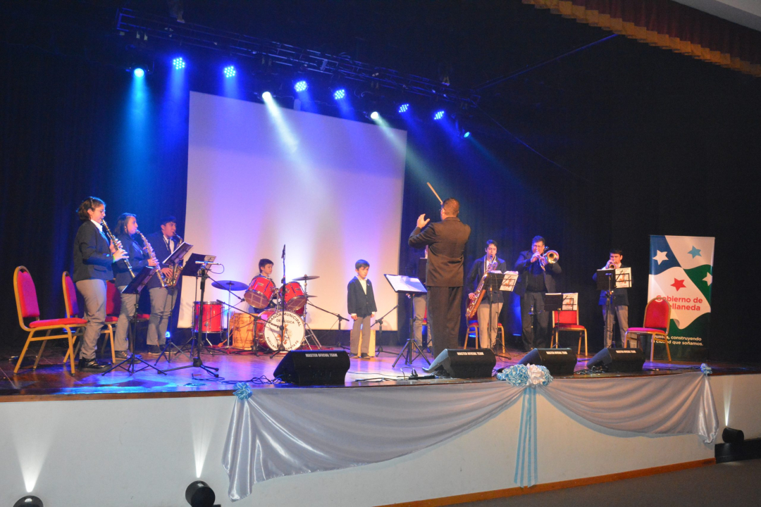 Acto del 9 de Julio en Avellaneda.