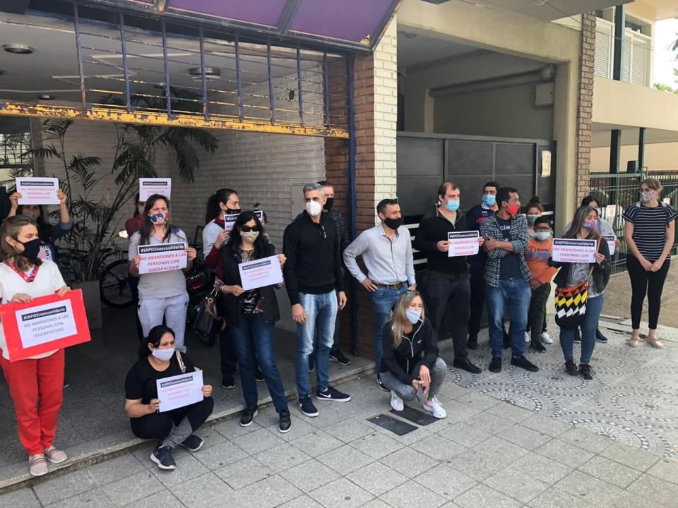 Movilización frente a la Delegación de IAPOS Reconquista.