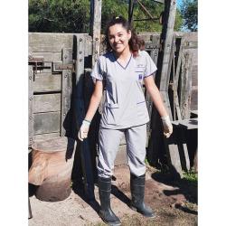 Daniela Telio estud de veterinaria.jpg