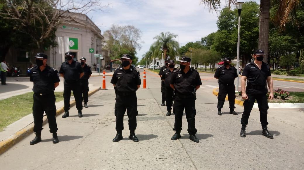 Entrega de móviles policiales.