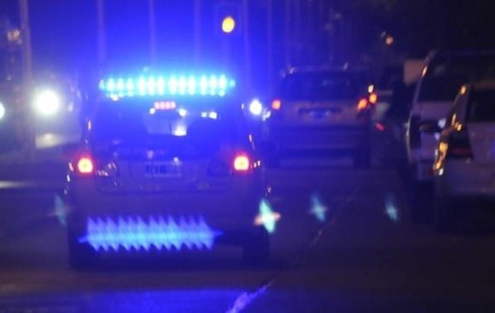 Robaron, amenazaron con un arma, huyeron en una moto y ahora pesa sobre ellos un pedido de captura, la policía los busca intensamente.