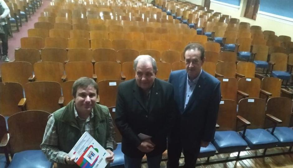 Entregaron un aporte de 3.100.000 pesos para el Teatro Español.