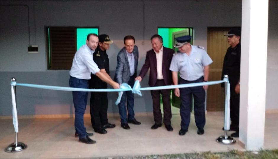 Se inauguró el Comando Radioeléctrico en Avellaneda. Desde hoy está a cargo del Sub Comisario Roberto Carlos Vera y funciona en la comisaria III de esa ciudad.