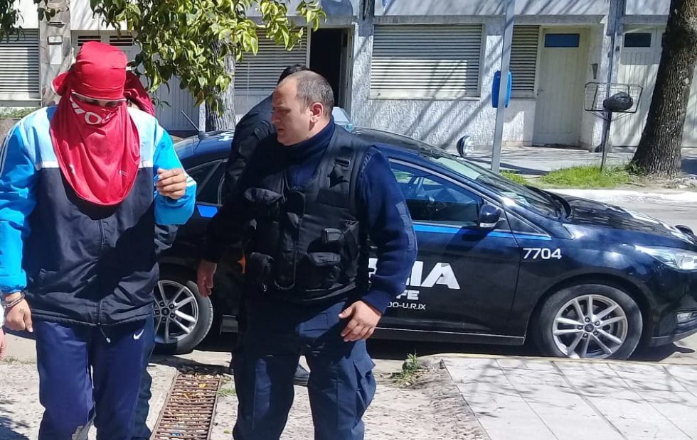 Imputaron a un boxeador que asaltó a puñetes: confesó que había tomado bebidas alcohólicas con pastillas y ni sabía lo que hacía.