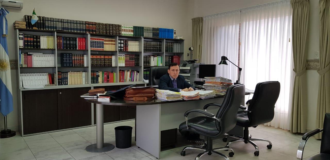 Aldo Alurralde juez federal ag 2019 en su despacho.jpg