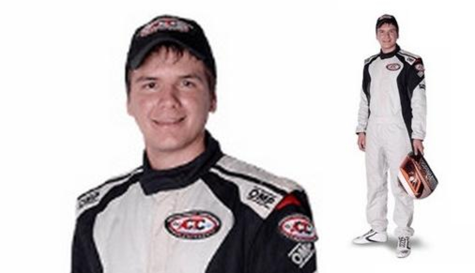 Franco Passarino busca una hazaña en el TC Pista Mouras que corre su última fecha en La Plata. Qué contó el piloto de los entrenamientos de este viernes.