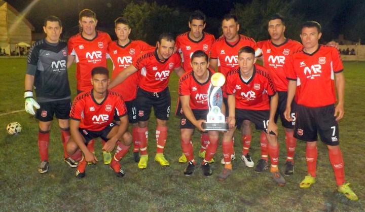 Romang FC recibió la Copa ReconquistaHOY x ganar Torneo Clausura.jpeg