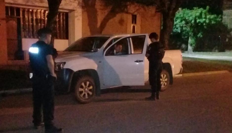 Le secuestraron la camioneta a un sanjavierino que circulaba alcoholizado. Estaba estacionado a mitad de la calle y cuando llegó la policía comenzó a circular realizando maniobras peligrosas.