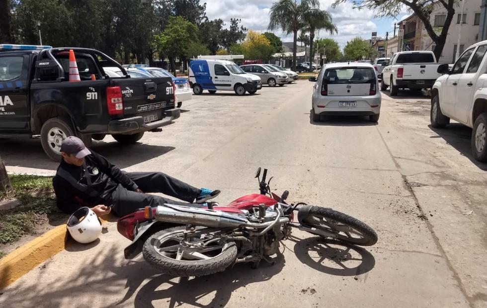 Producto de un choque en el microcentro de Reconquista, Abel Quiroz terminó en el hospital.