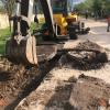Reparan el pavimento de calle Olessio que en solo tres años ya se rompió varias veces, tal cual le advirtieron a Adobato que sucedería por no hacer bien la base.