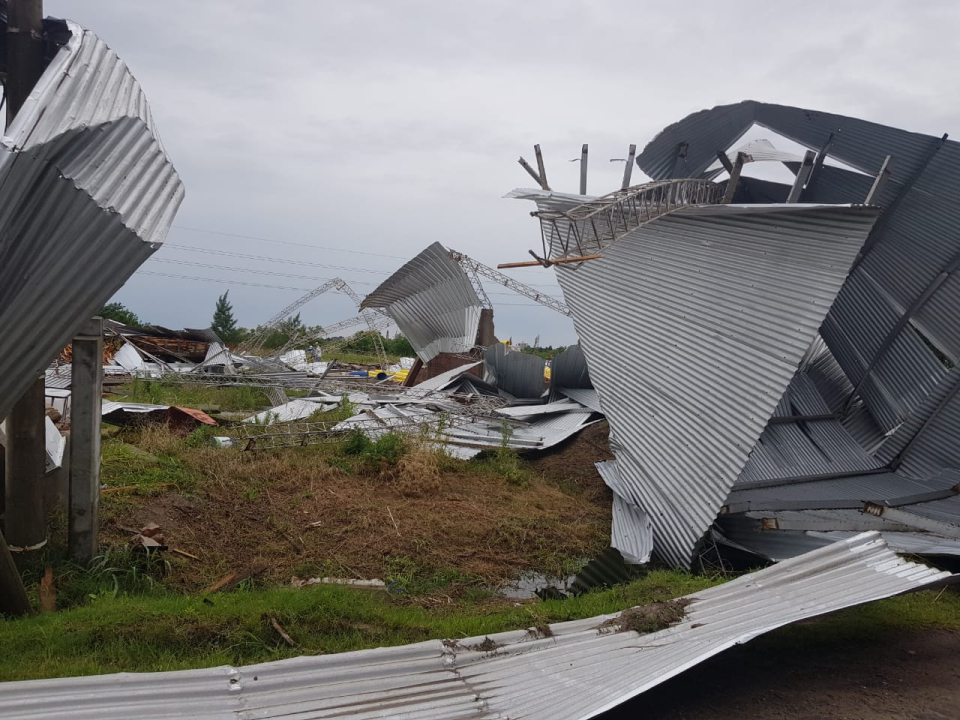 15122019 temporal destrozos parque industrial Avellaneda D.jpeg