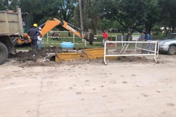 28012020 Acueducto hombres y máquinas trabajando.jpeg