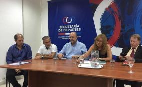 El gobierno provincial acordó con los clubes los montos adicionales para policías. El propio Omar Perotti estuvo en la reunión.