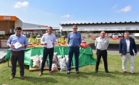 El Gobierno de la Provincia firmó un acuerdo de precios mayoristas sugeridos para frutas y verduras.