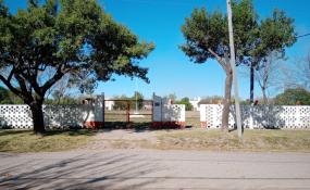 """""""No al loteo de la Pista de Atletismo"""": Vecinos invitan a un bocinazo y caravana el domingo 7 de junio."""