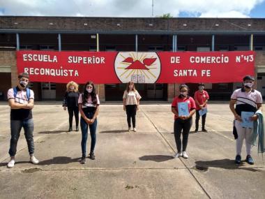 3 dic 2020 presencialidad alumnos de quinto Escuela Comercio J.jpg