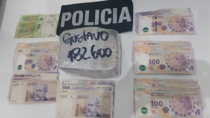 Gendarme Carlos Antonio Azula.jpeg
