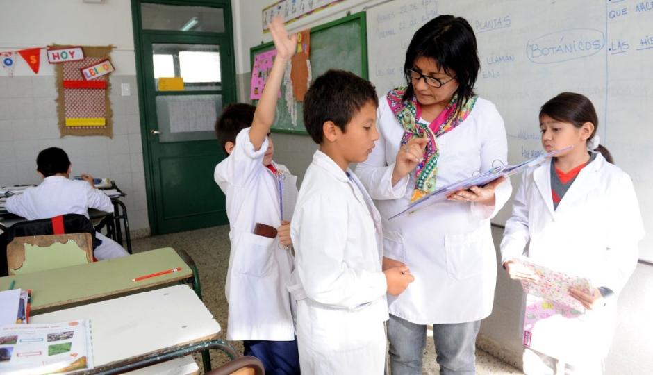 La provincia abonará el proporcional de vacaciones a docentes y asistentes escolares reemplazantes.