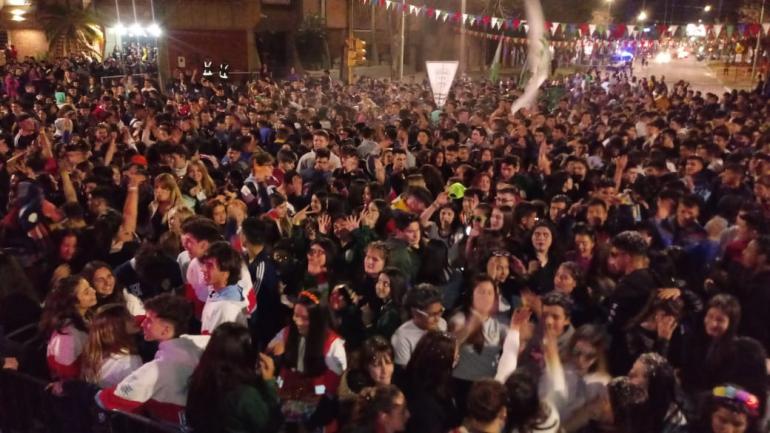estudiantina Avellaneda9.jpg