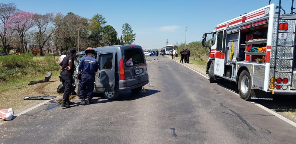 26092019 fatal Jones x Basabilbaso ruta provincial 40 kangoo B.jfif