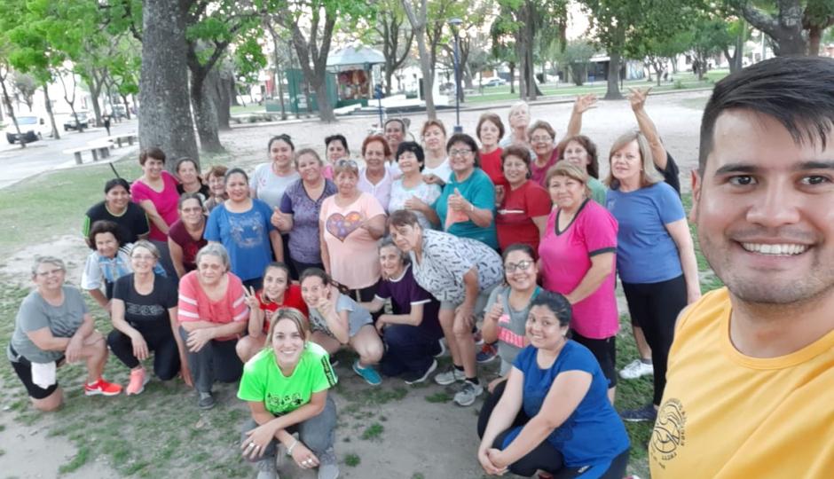 """Agendá días, horarios y lugares para disfrutar de las """"Plazas Activas"""" que organiza la Municipalidad con gym, bailes y relajación."""