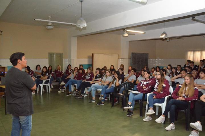 JORNADA DE CONCIENTIZACIÓN VIAL EN EL COLEGIO SAN JOSÉ (7).jpeg