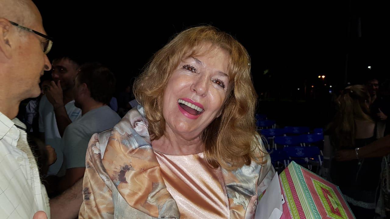 06122019 Marita Agustini al despedirse de la sec de cultura mm avell.jfif
