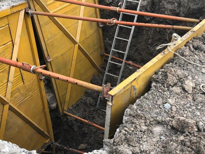 28012020 Acueducto hombres y máquinas trabajando b.jpeg
