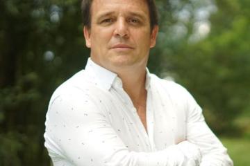 Gustavo López.jpeg