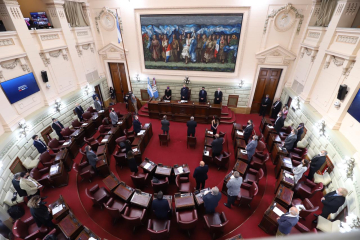 Omar Perotti apert ses ordinarias legislatura 2020 C.jpg