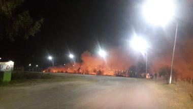 incendio de pastizales en el puerto.jpg