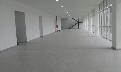 """Silvina Frana visitó el nuevo edificio del Profesorado Ángel Cárcano que será terminado """"en junio"""", dijo. Falta equipamiento, cloacas y el pavimento."""
