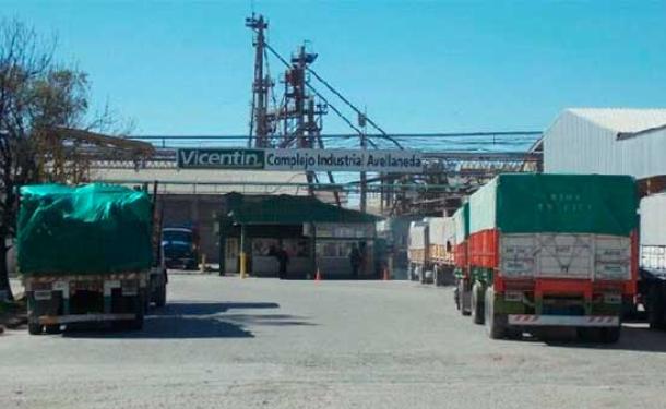Vicentín informó que elabora un plan para proponer a los acreedores y evitar el concurso.