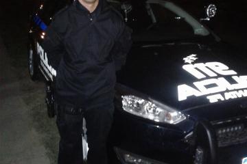 policía Oscar Valdez salvó la vida de un suicida.jpg