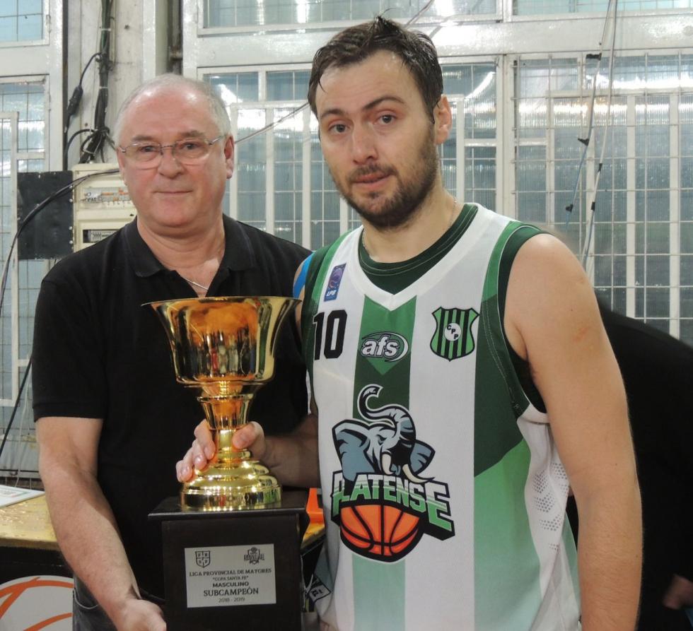 Platense subcampeon provincial de basquet copa santa fe 2019 trofeojpg.jpg