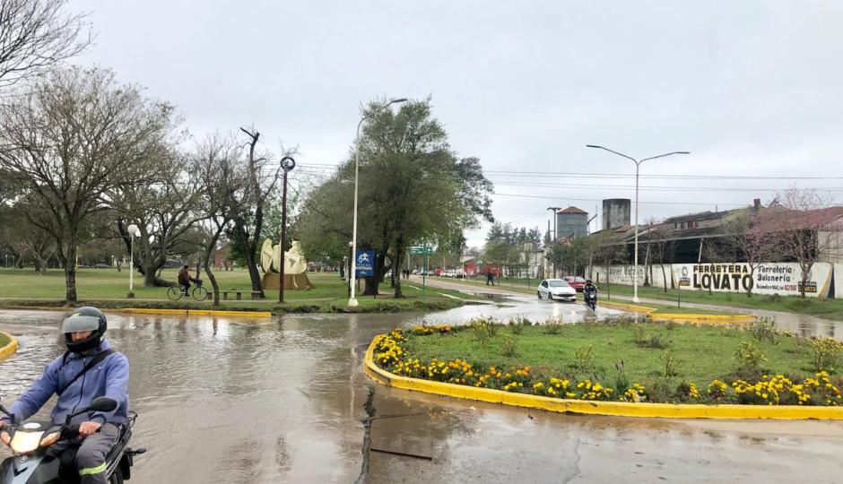 Advierten que puede observarse desbordes de agua en las cámaras de desagües. Los motivos y las zonas comprendidas, tanto en Reconquista como Avellaneda.