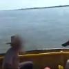 ALTO PREFECTURA!!!. Aquí te mostramos el video del momento en que personal de Prefectura detuvo la canoa que por el Río Paraná traía la droga a Reconquista.