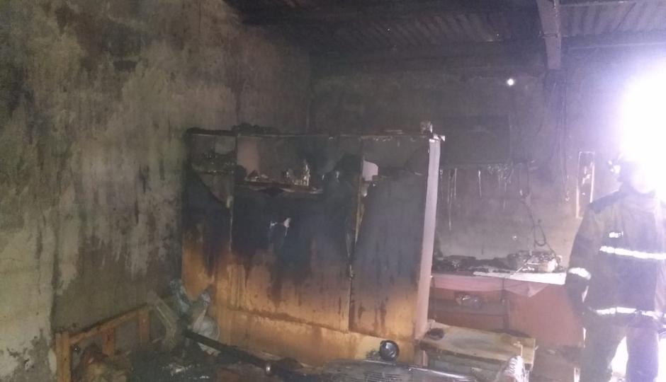 Se incendió una vivienda en el asentamiento Sur del Barrio Guadalupe. Creen que el mismo fue provocado por la ex pareja de la propietaria.