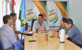 El intendente Spontón recibió al Comisario Lorena Ibarra, la nueva jefa de la  Comisaría VI.